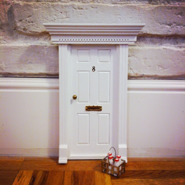 Oui Oui-puerta ratoncito pérez-regalo original niños-blanca estilo inglés