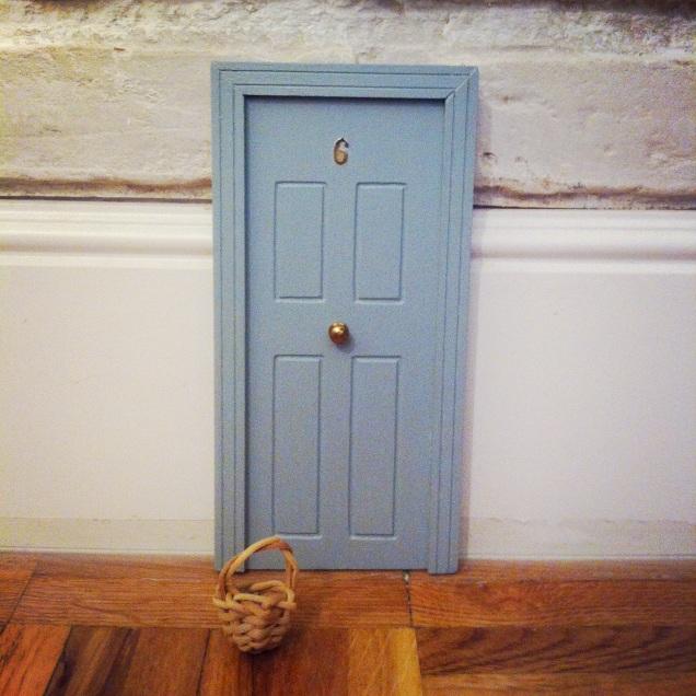 Oui Oui-puerta ratoncito pérez-regalo original niños-gris