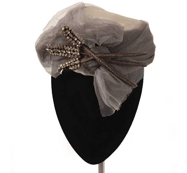 Oui Oui-tocados-boda-invierno-casquete viantage-tul gris perla y pedreria-Mimoki