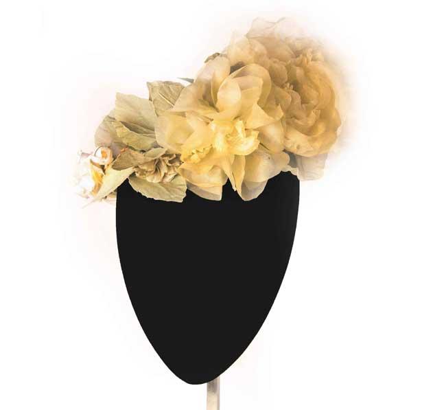 Oui Oui-tocados-boda-invierno-corona flores organza beige-Mimoki