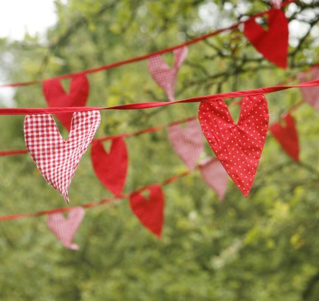 Oui Oui-banderín corazones rojos topitos y vichy lifestyle