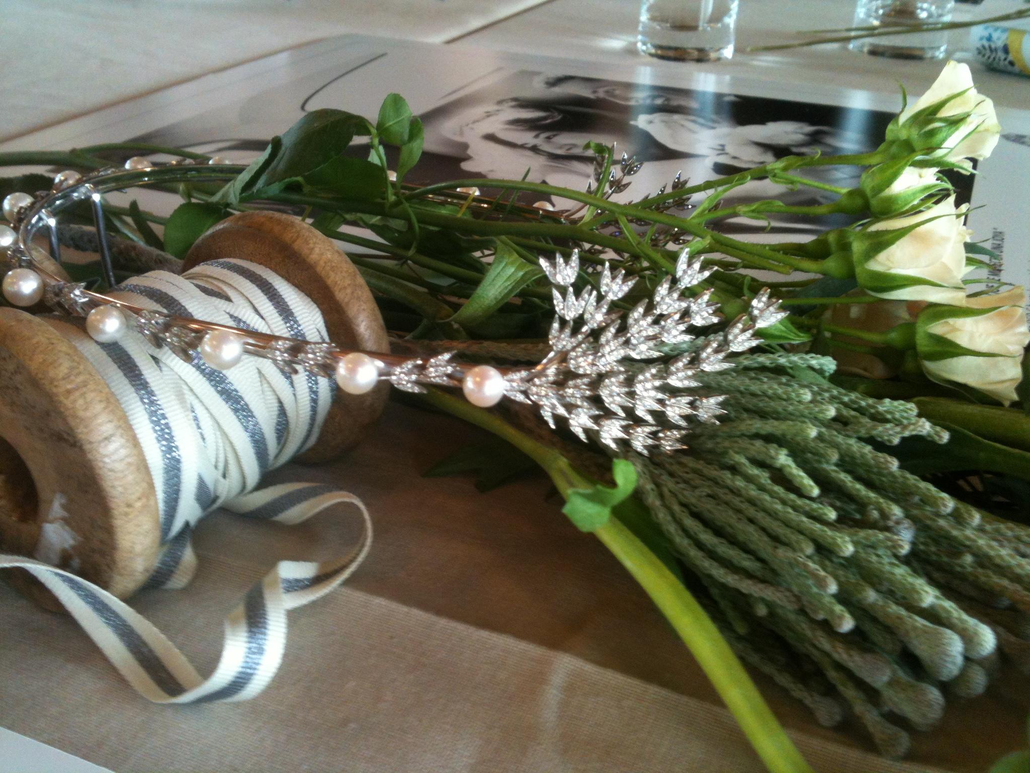 Oui Oui-coleccion grace-joyeria suárez-corona perlas diamantes espigas