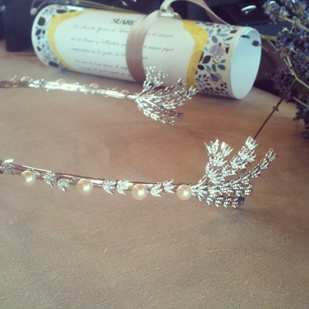 Oui Oui-corona boda-diamantes-perlas-espigas-coleccion suarez grace