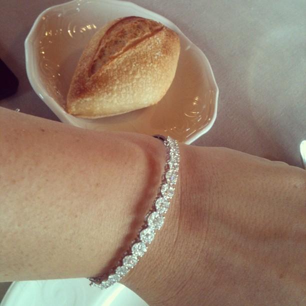 Oui Oui-pulsera brillantes Suárez-coleccion grace-regalar joyas-como elegir una buena joya