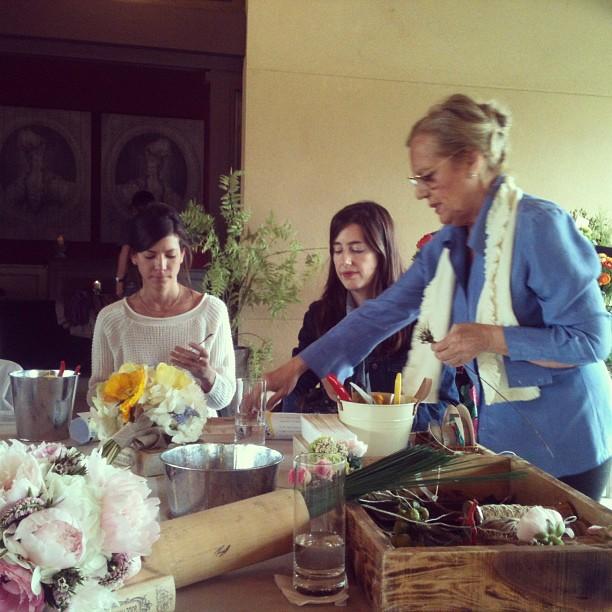 Oui Oui-taller coronas flores naturales.verde pimienta-suarez grace