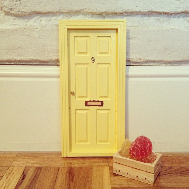 Oui OUi-puerta ratoncito pérez-amarillo bebé-golosinas