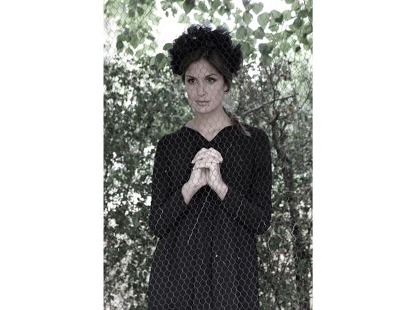 Oui Oui-double ikkat otoño-invierno 2013-vestido negro