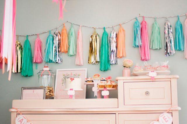 Oui Oui-decorar con guirnaldas-guirnadas de flecos-guirnaldas de borlas-tassel garlands-decoracion original boda-boda rustic chic (1)
