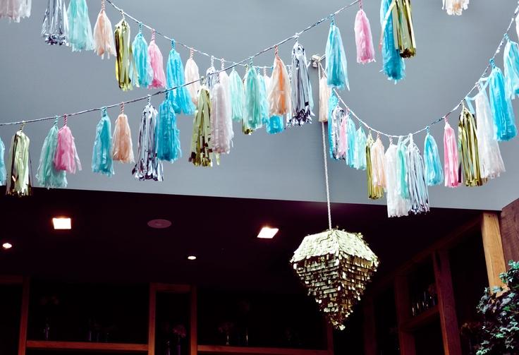 Oui Oui-decorar con guirnaldas-guirnadas de flecos-guirnaldas de borlas-tassel garlands-decoracion original boda-boda rustic chic (14)