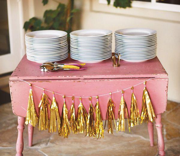 Oui Oui-decorar con guirnaldas-guirnadas de flecos-guirnaldas de borlas-tassel garlands-decoracion original boda-boda rustic chic (17)