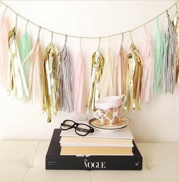 Oui Oui-decorar con guirnaldas-guirnadas de flecos-guirnaldas de borlas-tassel garlands-decoracion original boda-boda rustic chic (19)