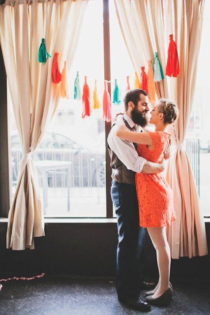 Oui Oui-decorar con guirnaldas-guirnadas de flecos-guirnaldas de borlas-tassel garlands-decoracion original boda-boda rustic chic (2)
