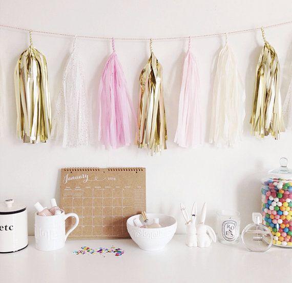 Oui Oui-decorar con guirnaldas-guirnadas de flecos-guirnaldas de borlas-tassel garlands-decoracion original boda-boda rustic chic (22)