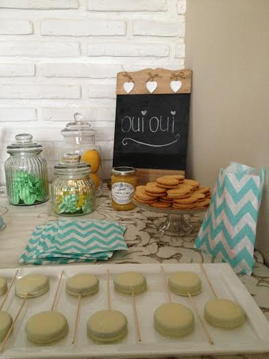 Oui Oui-mesa ducles mint-babyshower mint-mesa dulces amarillo-candy bar mint-tarros de cristal-oreo blancas