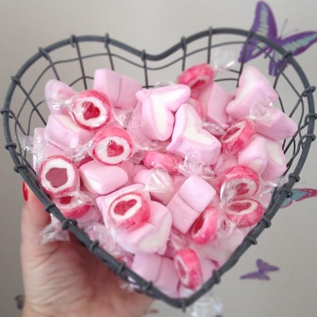 Oui Oui-cesta alambre zinc forma corazón