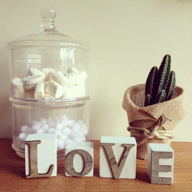Oui Oui-novedades enero-cubos palabra love