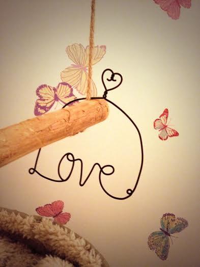 Oui Oui-palabra love alambre colgante