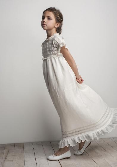 Oui Oui-vestido comunión difernete-con estilo-chic-puntillas-largo-labube