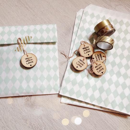 Oui Oui-fiesta cumpleñaos naranja y mint-bolsitas para los invitados-rombos mint-mint y dorado-with much love