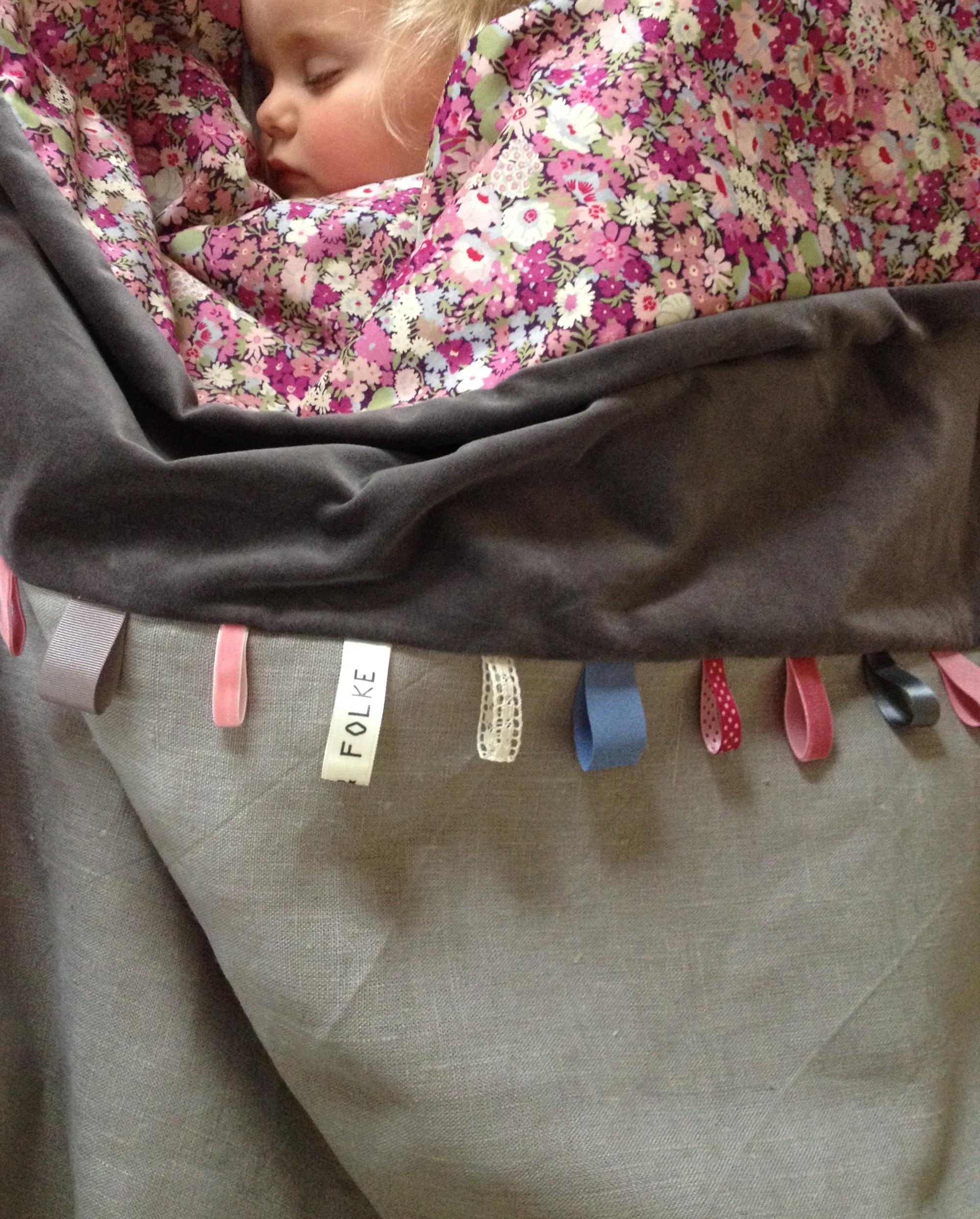 Oui Oui-mantas para bebés monas-mantas bebes con estilo-edredon bebé estiloso-sture and folke (1)