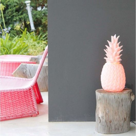 Oui Oui-piña colada lamp pink-lampara piña rosa-jardin