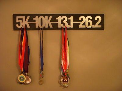 Oui Oui-habitacion de transito-perchero medalla carreras