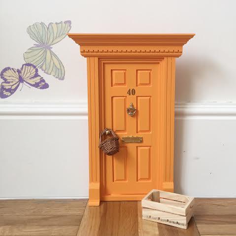 Oui Oui-puertas ratocito perez-casita ratoncito pérez-puerta ratoncito perez sara carbonero-inglesa naranja