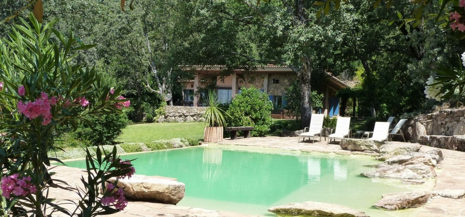 3 hoteles con encanto para ir con ni os cerca de madrid for Casa rural con piscina independiente