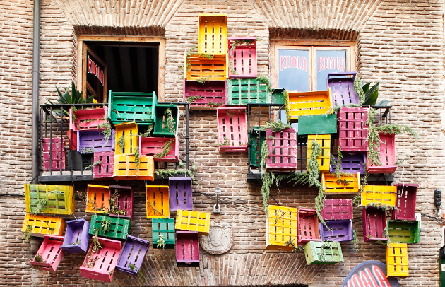Oui Oui-decoraccion 2014-fachada con cajas